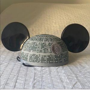 Mickey ears Star Wars edition. RARE !